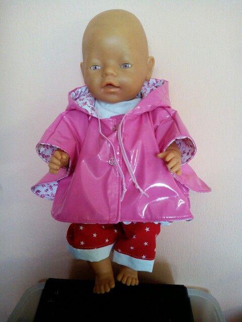 Een poncho gemaakt voor babyborn of poppen van 43cm
