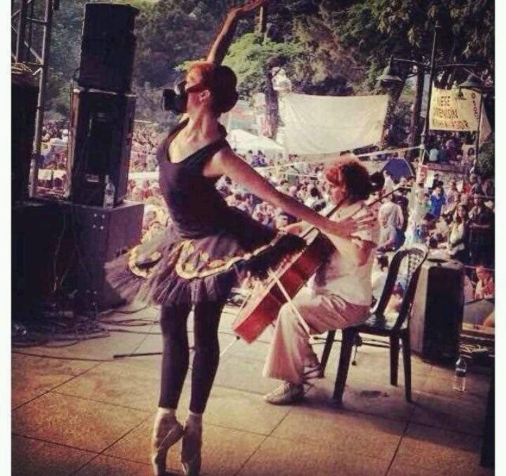 Ballerina with gas mask #occupygezi #turkey #occupytaksim #direngeziparkı