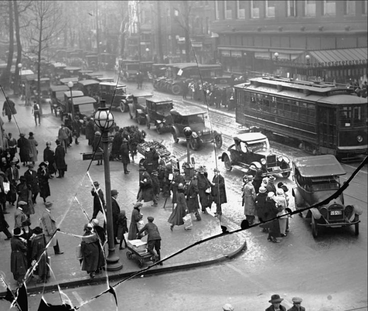 94 Best Images About 1920s Foursquare On Pinterest: 35 Best Images About New York 1920-1930 On Pinterest