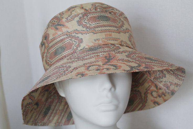 紬の着物地から作った帽子