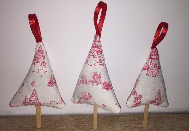 trois sapins parfumés à la lavande pour une décoration de noël traditionelle : Accessoires de maison par just-by-aleth
