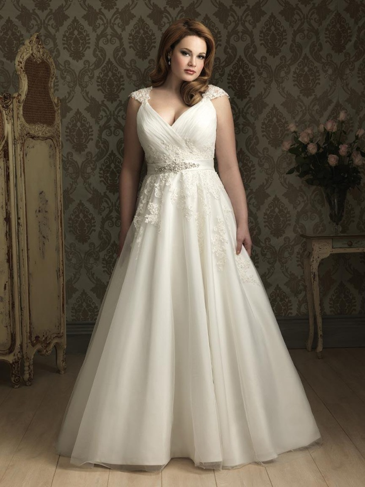 Romantic Lace Wedding Dress Plus Size Cap Sleeves V neckline