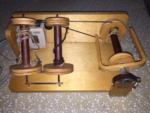 In guten zustand elektro spinnrad von louet s30  Mit 3 spulen  Abholung Versand dhl 10 euro,Spinnrad louet s30 in Niedersachsen - Zeven