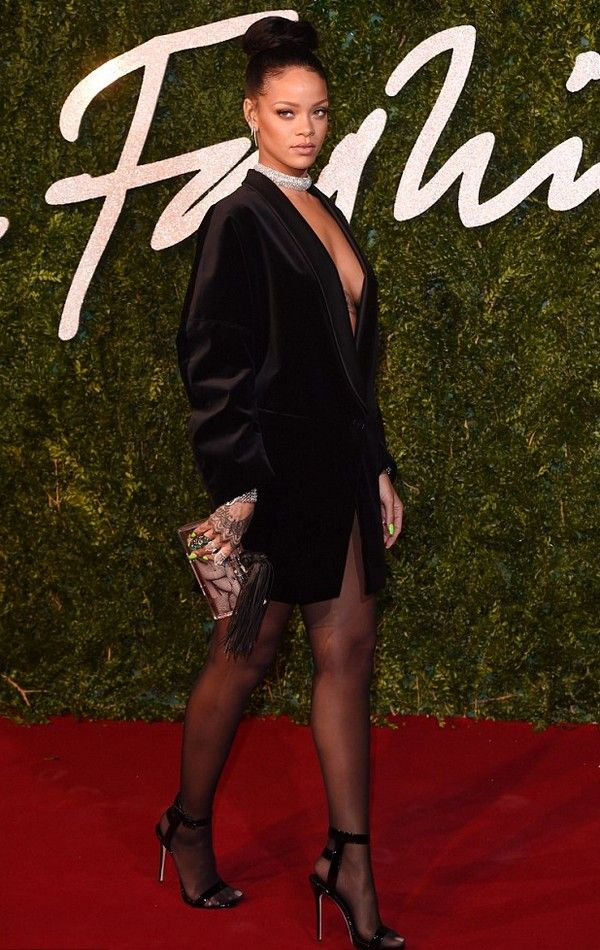British Fashion Awards 2014 ‪#‎Rihanna‬ is always pushing the limits … especially when it comes to her choice of clothes. And 26-year-old star, of course ‪#‎BritishFashionAwards‬ ‪#‎FashionAwards‬ ‪#‎BritishFashionAwards2014‬ http://shenewz.com/rihanna-arrived-at-the-british-fashion-a… British Fashion Awards on Monday night.