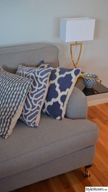 Howard soffa med kuddar
