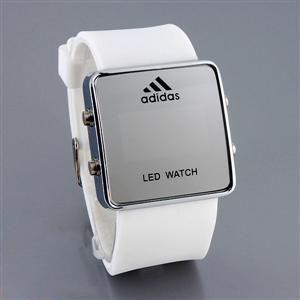 Que buen diseño el de este reloj @adidas