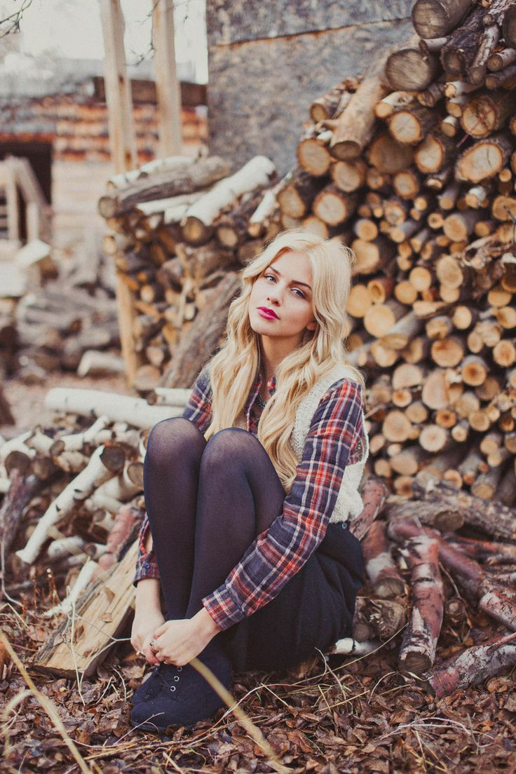 Lumberjack styled shoot. Urban outfitters styled shoot. Cute fall ideas for photo shoots. Cute Engagement outfit ideas for fall engagement pictures. Stephanie Sunderland Photography. Utah portrait photographer. Cute plaid skirt. Cute plaid outfit ideas.