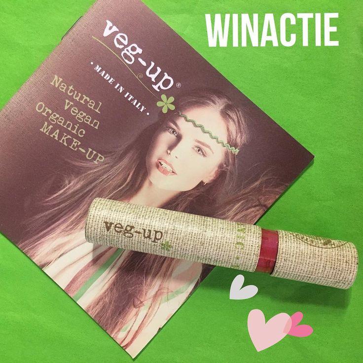 WIN Veg-Up Liquid Lipstick t.w.v €16,49��  Laat je lippen stralen met Veg-Up natuurlijke en vegan Liquid Lipstick (Lipgloss) met de kleur Peony!  Jij kunt er 1 winnen! ��  De Veg-Up lipstick geeft jouw lippen intensief vochtig en beschermt de gevoelige huid. ▫️Mooie intense kleur ▫️Glanzend zachte textuur ▫️Natuurlijke tint ▫️Fruitige geur en smaak ▫️Verzorgend  Winnen? Wij geven 1 exemplaar weg! Meedoen? ▫️Laat een comment achter dat je meedoet. ▫️Deel de foto en tag je vriendinnen. ▫️Volg…