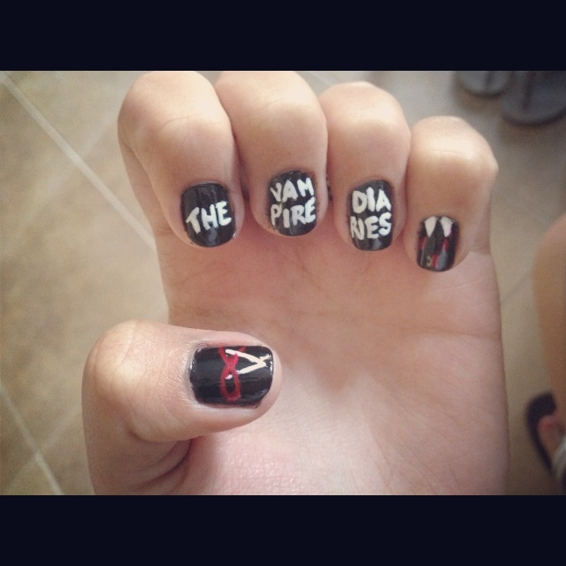 A great nail art for The Vampire Diaries fans. By SnowWhiteIsBack ...