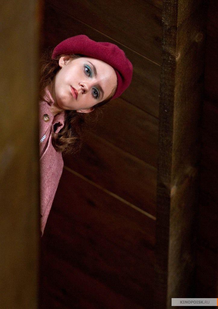"Кара Хэйуорд в роли Сьюзи Бишоп, ""Королевство полной луны"" / Kara Hayward, ""Moonrise Kingdom"" (реж. Уэс Андерсон, США, 2012) #королествополнойлуны #карахэйуорд #уэсандерсон"