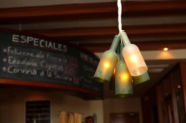 Especial de decoraci n l mpara con botellas de vino en la - Decoracion con lamparas ...