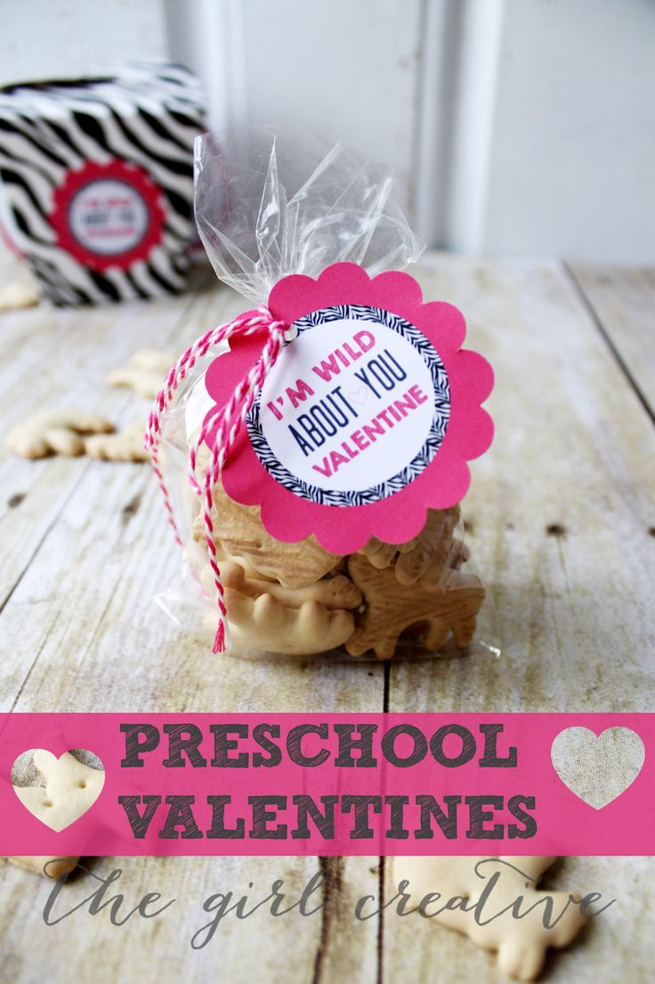 Preschool Valentines + Free Printable - Adorable Animal Cracker Valentines - perfect for preschoolers and kindergarteners.