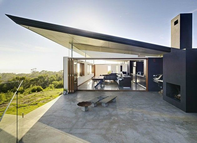 Southern House in Australia by Fergus Scott Architects