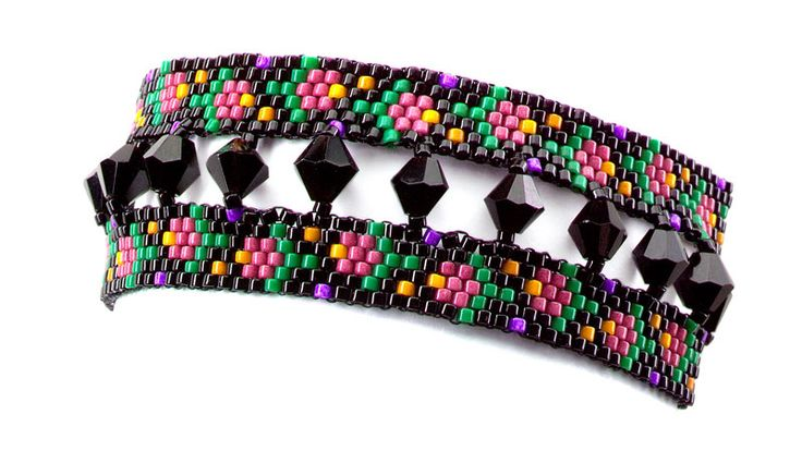 Crystals accentuate flowers in a peyote bracelet