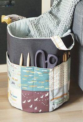 Tutoriale DIY: Cómo hacer una bolsa de tela con bolsillo para guardar tus úitles para tejer vía DaWanda.com
