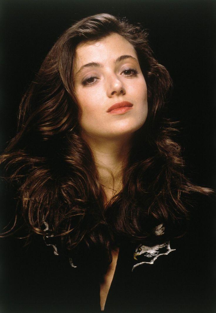Sloane Peterson (Mia Sara)