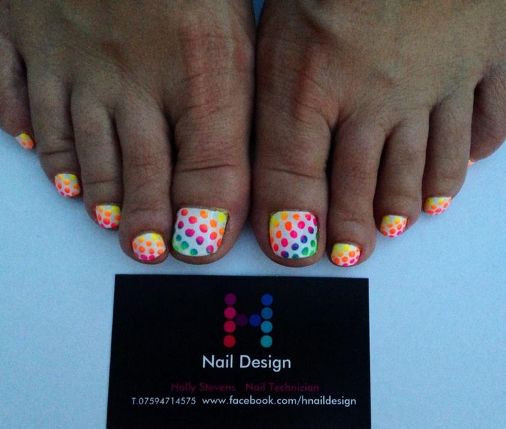 Holly Stevens Partners Cndshellac With The Neon Nail Shadows By Lecent For These Gorgeous