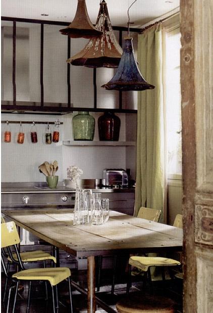 Vintage kitchen: Kitchens Design, Lights Fixtures, Horns, Trav'Lin Lights, Lights Shades, Vintage Interiors, Pendants Lights, Lights Ideas, Hanging Lamps