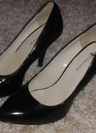 Kup mój przedmiot na #Vinted http://www.vinted.pl/kobiety/na-wysokim-obcasie/9782395-nowe-czarne-wysokie-lakierowane-szpilki