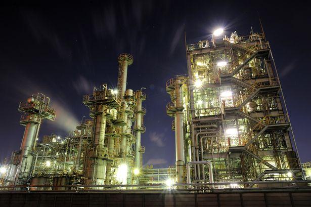 川崎工場の夜景: Photo