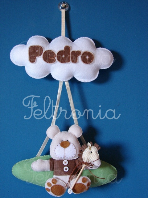 Enfeite de porta do PEDRO by Feltronia by Bia Leira, via Flickr