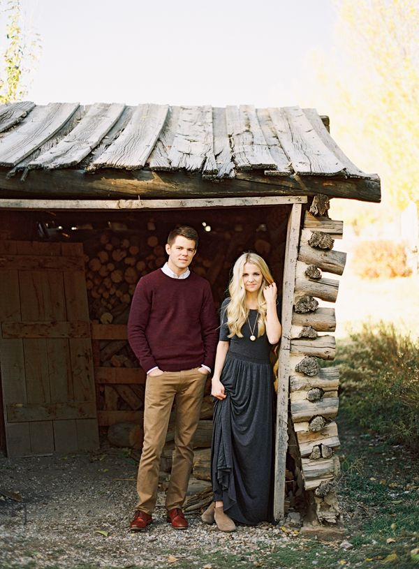 What to wear for family pictures, what to wear for engagement pictures, maroon sweater, black maxi dress, style