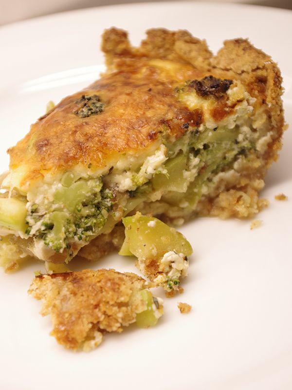 God och knaprig grönsakspaj med broccoli och zucchini. Läs mer på recept.com