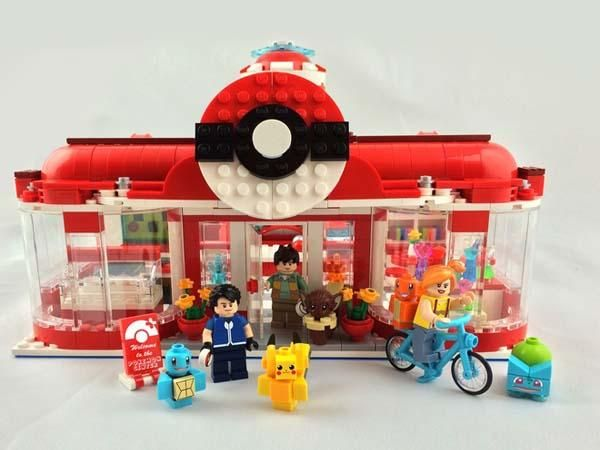 Pikachu's Pokemon Center Visit LEGO Set ||| I want to say… is that really an eevee????