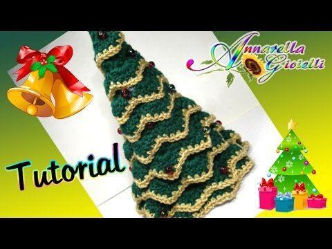 ▶ Tutorial Albero di Natale all'uncinetto SENZA punto coccodrillo   How to crochet a Christmas Tree - YouTube