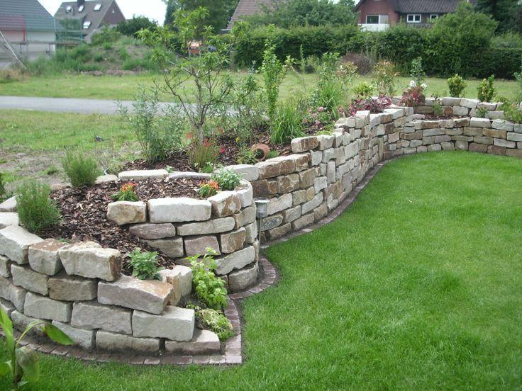 Garten - Trockenmauer - Naturstein - Hochbeet-Inspiration