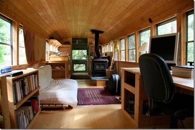 Si os gustan las casas sostenibles, en este artículo os presento un ejemplo de reciclaje de un autobús escolar (igualito al que sale en las ...