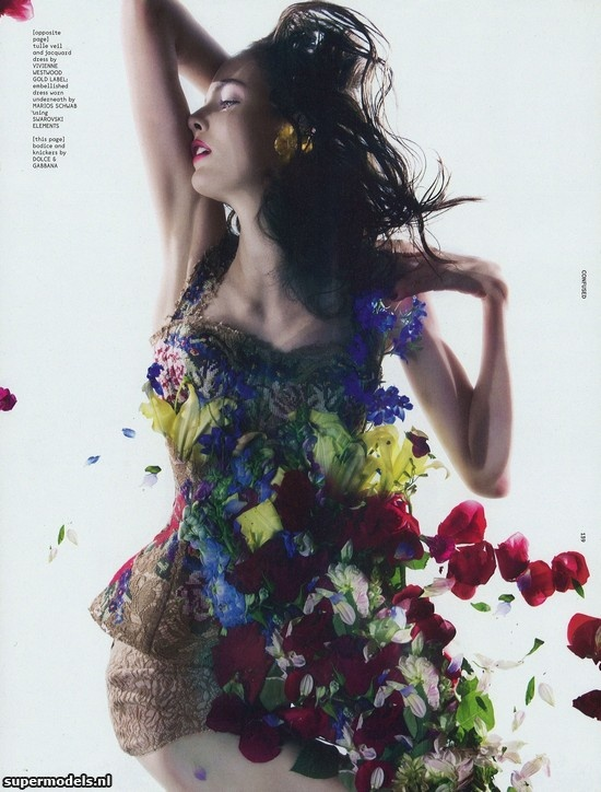 Zuzanna Bijoch in 'Holy Flowers' - Photographed by Pierre Debusschere (Dazed & Confused October 2012)    Complete shoot after the click...