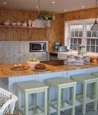 Sarah Richardson Cottage BoathouseSarah Richardson, Curries Boathouse, Hills Cabinets, Boats House, Farmhouse Sinks, Kitchens Cabinets, White Cabinets, Oak Cabinets, Fireclay Farmhouse