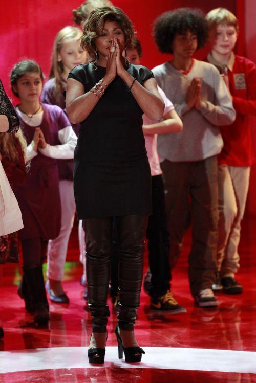Tina Turner & Children Beyond - Eind Herz Für Kinder - Berlin, Germany - December 17, 2011 (3)
