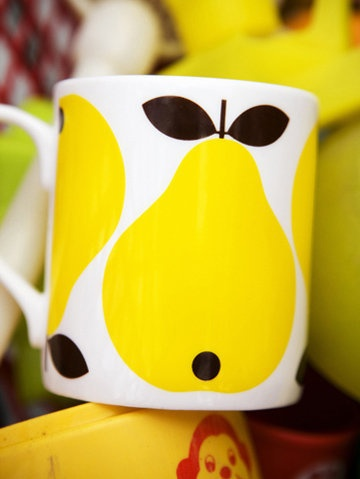 Mug yellow pear