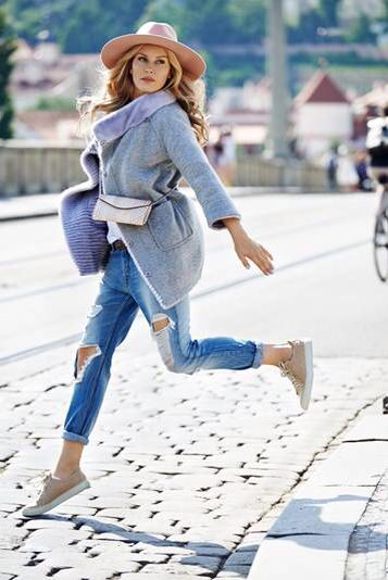 LUSHA 2015 CAMPAIGN starring SIMONA KRAINOVA  LUSHA mink and cashmere coat, python pochette, ostrich sneakers  #SIMONAKRAINOVA #cashmere #mink #coat #python #beige #pochette #ostrich #sneakers #fashion #style #styling #accessories #outfit #style #styling #handmade #unique #piece #madeinitaly #tuscany #florence #grey #beige #blue #jeans #model #topmodel #czech @simonakrainova @branislavsimoncik @filipvanek @hristinageorgievska @tylmarty DREAM TEAM