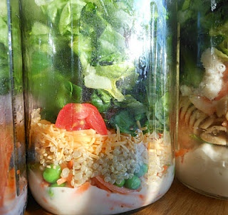 Mason Jar Salads - I don't know that I would have EVER thought of this.  Great idea.  And it includes fruit salads in a jar too!: Fun Recipes, Ideas, Masons, In A Jar, Food, Healthy Eating, Mason Jar Salads, Mason Jars, Jar Meals