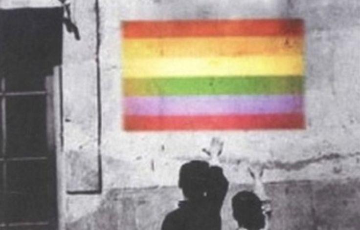La Generalitat abre expediente a Hazte Oír por su folleto homófobo enviado a los colegios