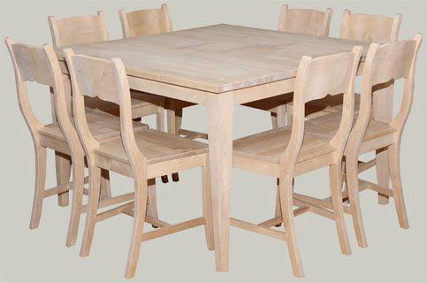 Neliskanttisia ruokapöytiä myymälässä useaa kokoa: 110x110, 120x120, 145x145, 160x160, Pöydät ovat koivua ja saat ne pintakäsiteltynä minkäväriseksi tahansa.