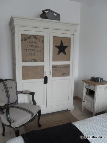 *** J'adore cette armoire et les idées de Caroline ....