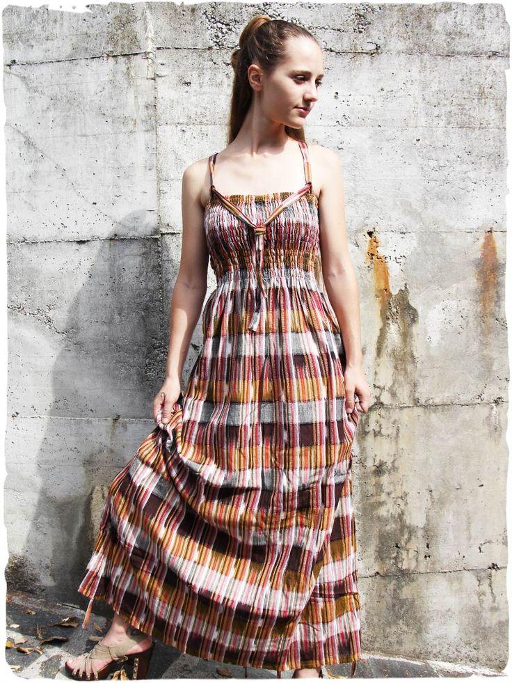 vestito lungo estivo Magda #Vestito #lungo #estivo arricciato intorno al seno, è possibile increspare questo vestito in quattro punti del fondo con un laccio. #moda #primavera #2017 #estate
