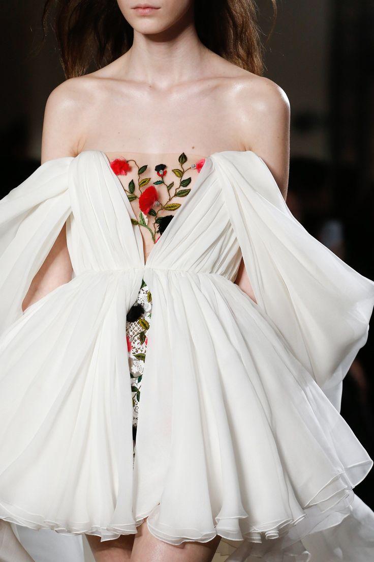 The complete Giambattista Valli Spring 2018 Couture fashion show now on Vogue Runway. #femininefashion,