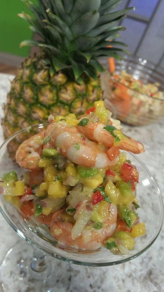 Ensalada de camarones con coco y piña - Chef Edgardo Noel