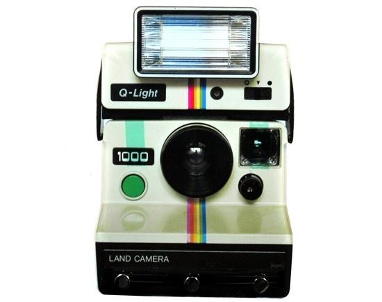 Porta Chave Land Camera, feito de acrílico $55 - http://decor8.com.br