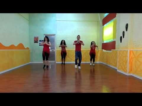 WAKA WAKA This Time for Africa By Shakira Official Choreography 2014 Ballo di gruppo ufficiale - YouTube