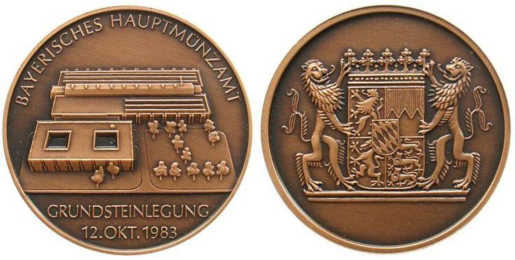 München Bronze München, auf die Grundsteinlegung des Bayerischen Haumptmünzamtes 12.Okt.1983, Gebäudeansicht / Wappen, 40,2 MM Medaille 1983 prägefrisch