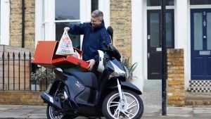 Tesco launches one hour delivery service - http://www.logistik-express.com/tesco-launches-one-hour-delivery-service/