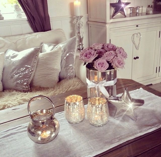 Best 25 lavender room ideas on pinterest lavender bedding lilac room and lavender decor for Silver and lilac living room