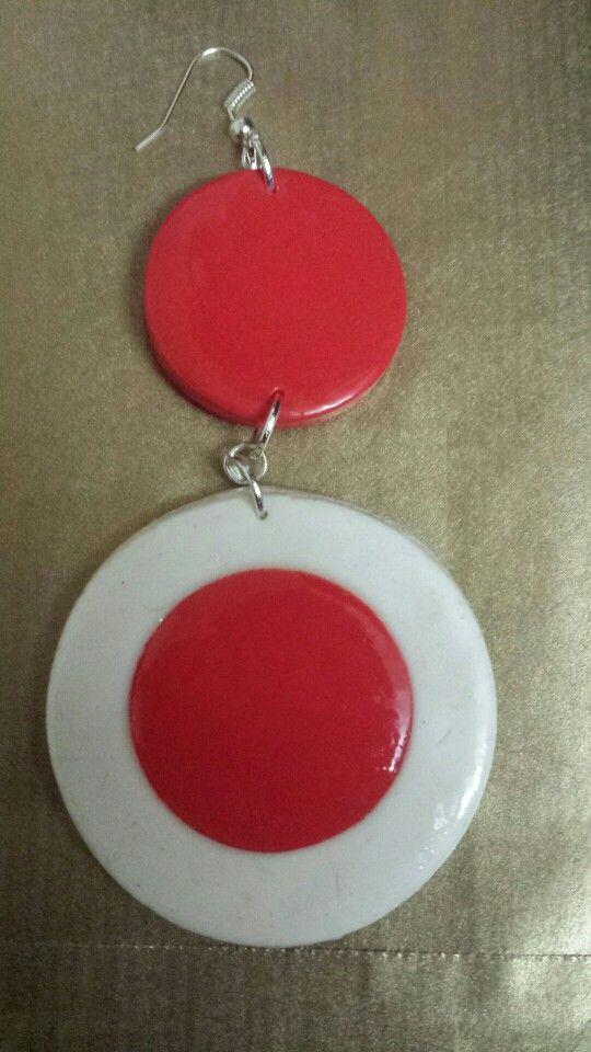 Cerchi in fimo bianchi e rosso 15 euro  al paio