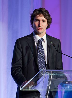 Justin Trudeau--campaigning in Toronto today, Aug 29-- focused on Islamic group--kissing their asses-- CANADIAN IDIOT!! Toronto has other ethnic groups,, Italians,, Asians and none of them want to kill Christians. Liberals,, focus on the sh#t of our country!